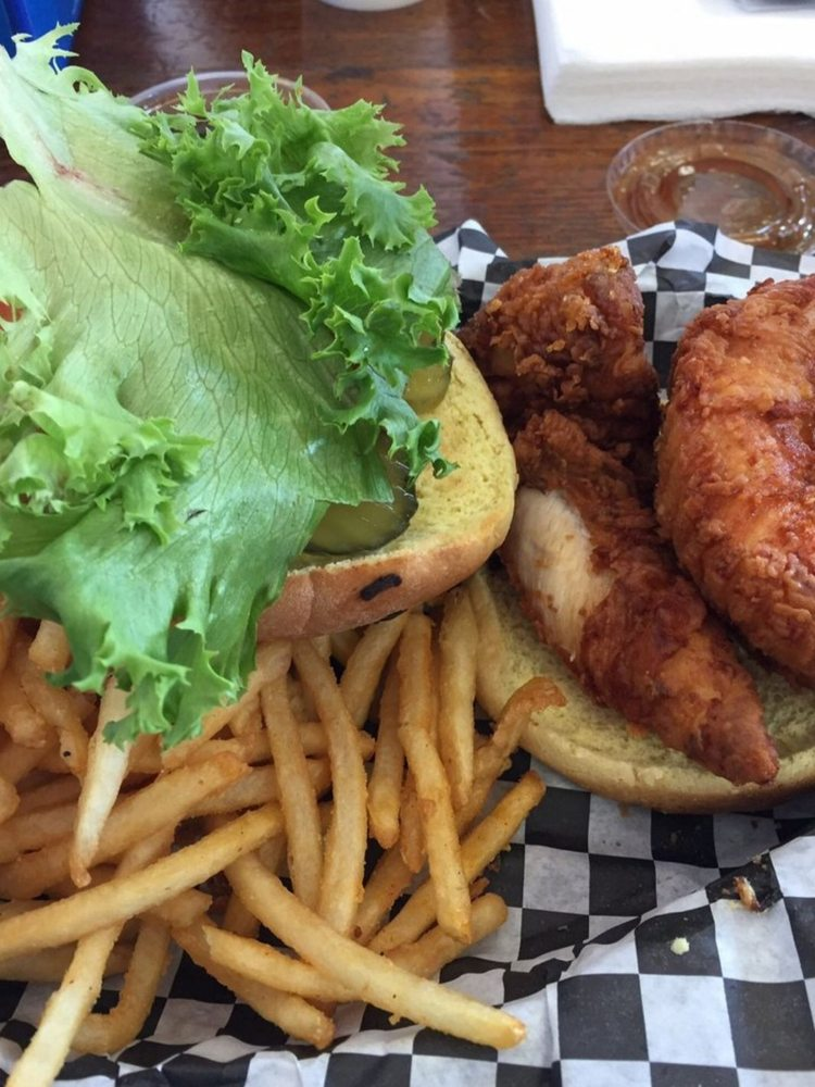 The Chicken Shack: 560 W Olive Ave, Merced, CA