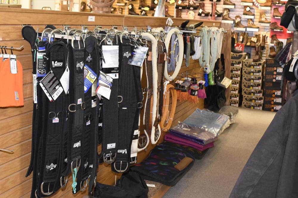 Valley Vet Supply: 1118 Pony Express Hwy, Marysville, KS