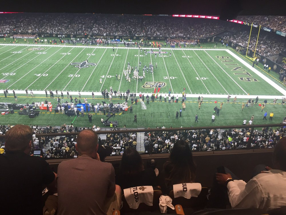 Vip suite tickets y 39 all yelp for Hotels near mercedes benz superdome in new orleans