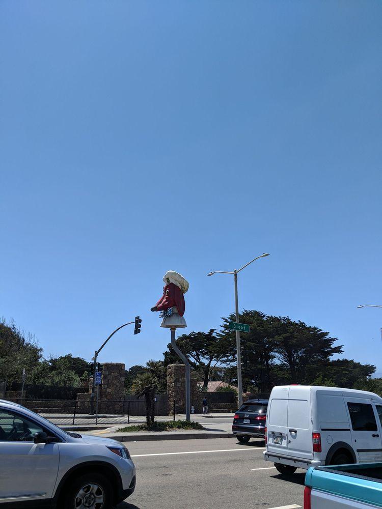 Doggie Diner Head: Sloat Blvd, San Francisco, CA