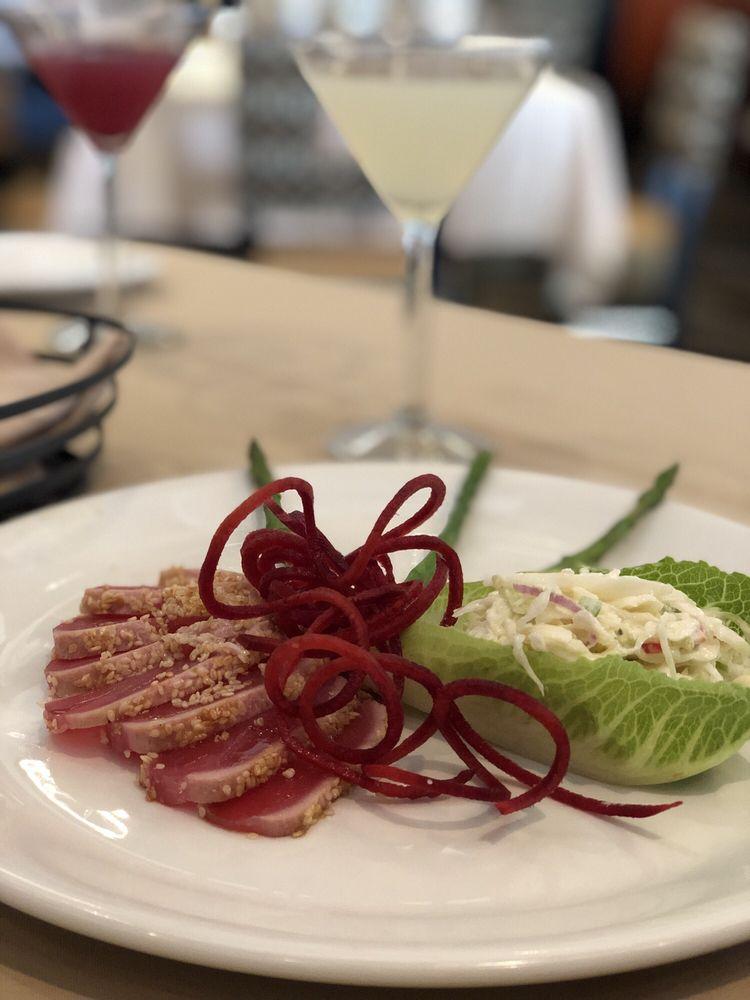 Club Oceano Seafood & Bar: 4429 Cedar Park Dr, Beavercreek, OH