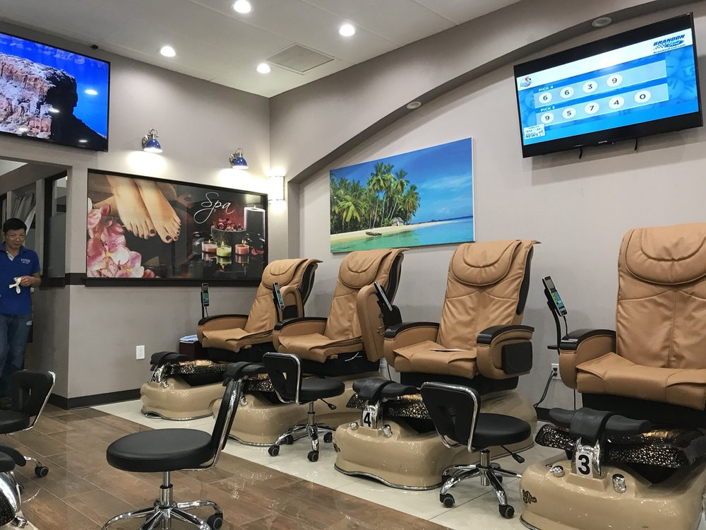 Star Nails and Spa by Christina: 12026 Anderson Rd, Tampa, FL