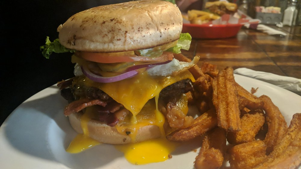 Charlie's Old Fashioned Burgers: 604 State Hwy 78 N, Farmersville, TX