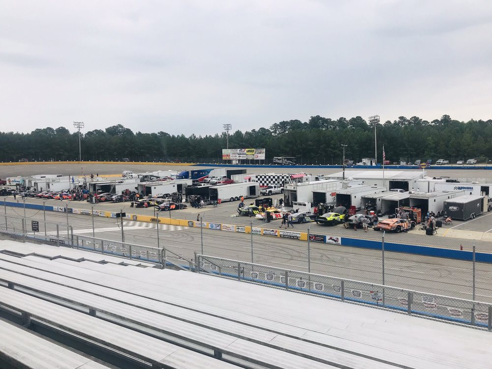 Southern National Motorsports Park: 8701 Newsome Mill Rd, Lucama, NC