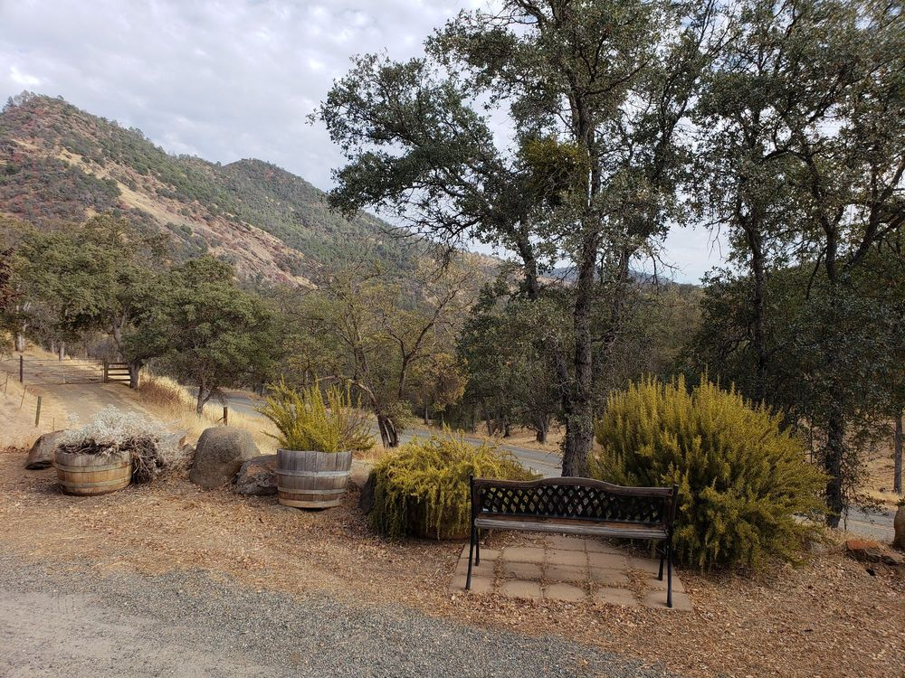 Homestead Cottages: 41110 Rd 600, Ahwahnee, CA