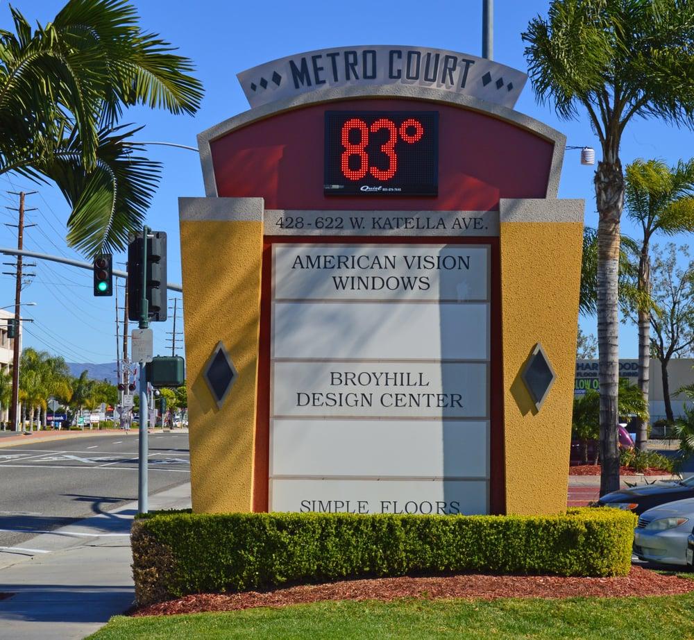 Quiel Signs: 272 S I St, San Bernardino, CA