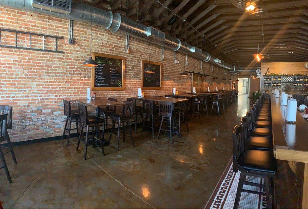 St. John's Tavern: 572 N Citrus Ave, Crystal River, FL