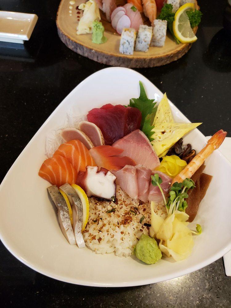 Manna Sushi: 13930 Estate Manor Dr, Gainesville, VA