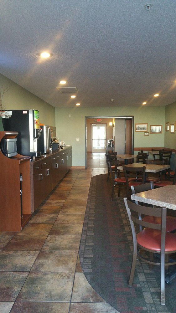 Canby Inn and Suites: 127 1st St W, Canby, MN