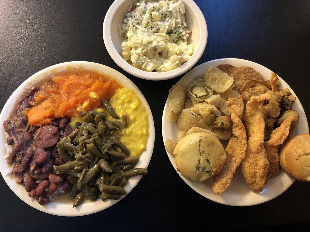 Estelle's Southern Cuisine & Catering: 5534 Hwy 11 N, Ellisville, MS