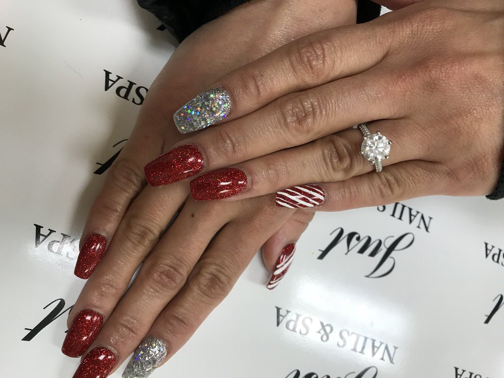 Love my Christmas nails. Thanks Jojo for a wonderful job! Everyone ...
