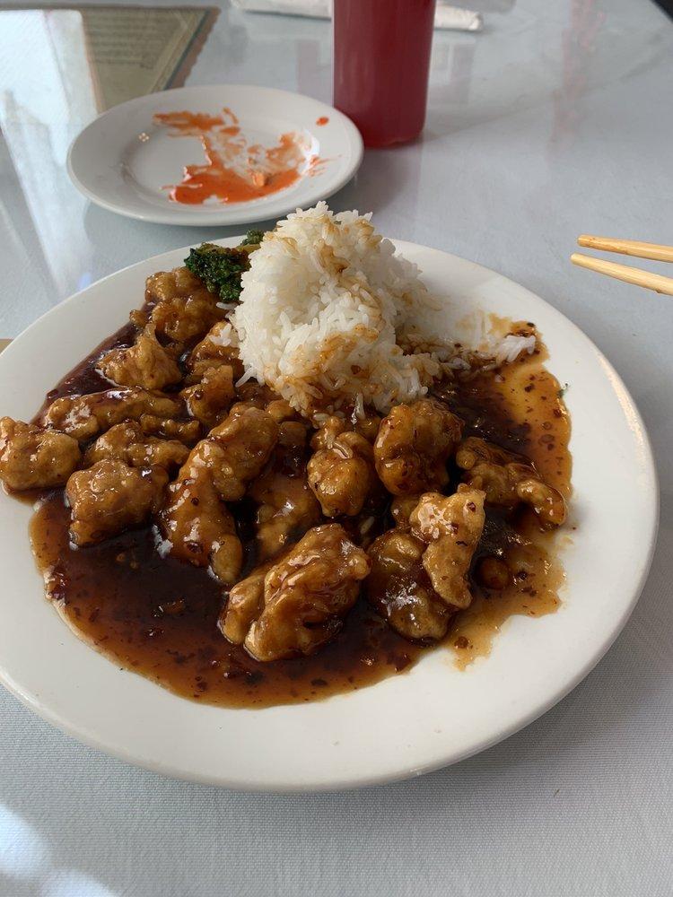Dynasty Chinese Cuisine: 119 W Broadway St, Sparta, IL