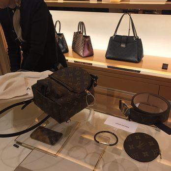 a4a597b43131 Louis Vuitton - Fashion - 20 rue Grignan