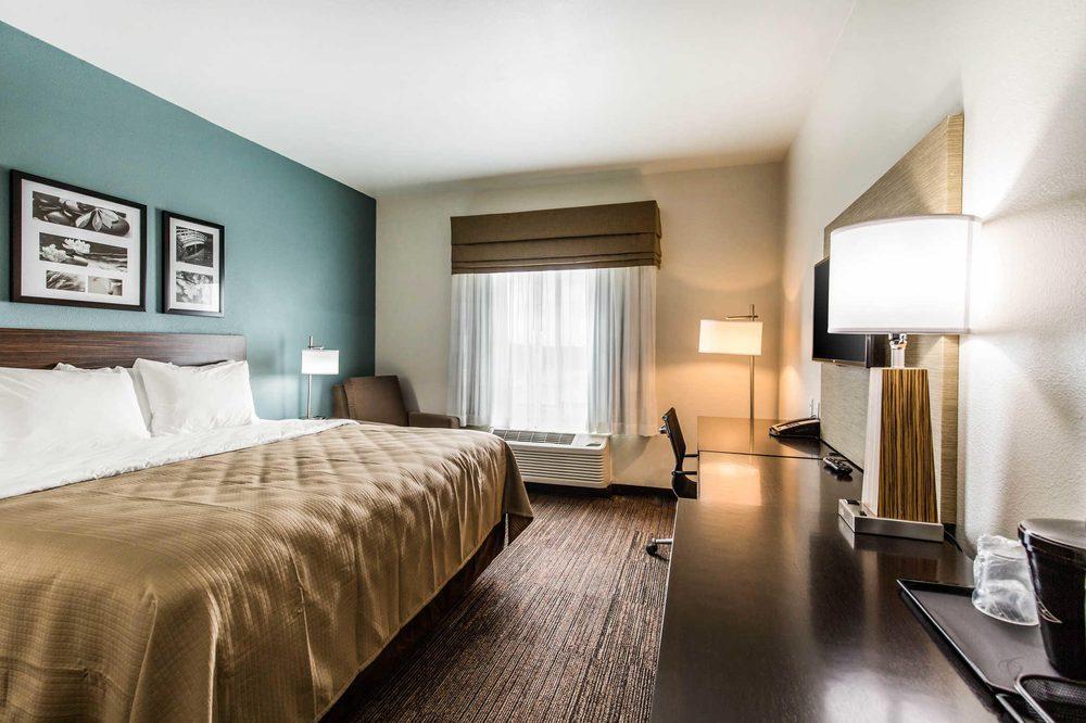 Sleep Inn & Suites: 2825 North Earl Rudder Freeway, Bryan, TX