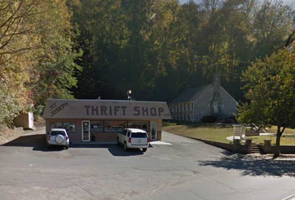 St Joseph Catholic Thrift Shop: 316 Main St, Bryson City, NC