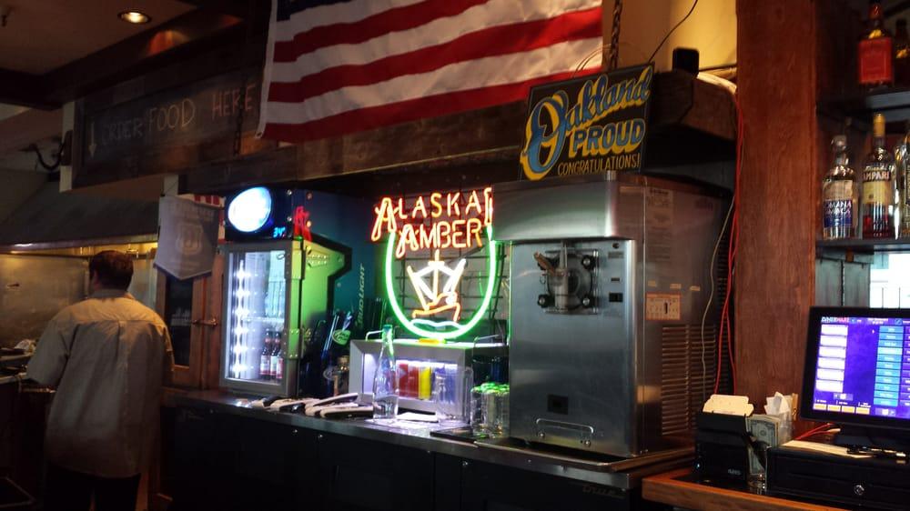 Restaurants Near  Broadway Oakland Ca