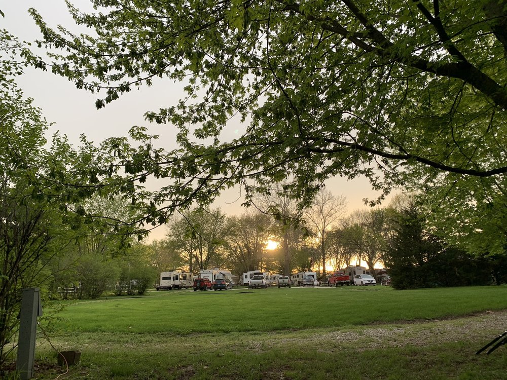 Geneseo Campground: 22978 Illinois Highway 82, Geneseo, IL
