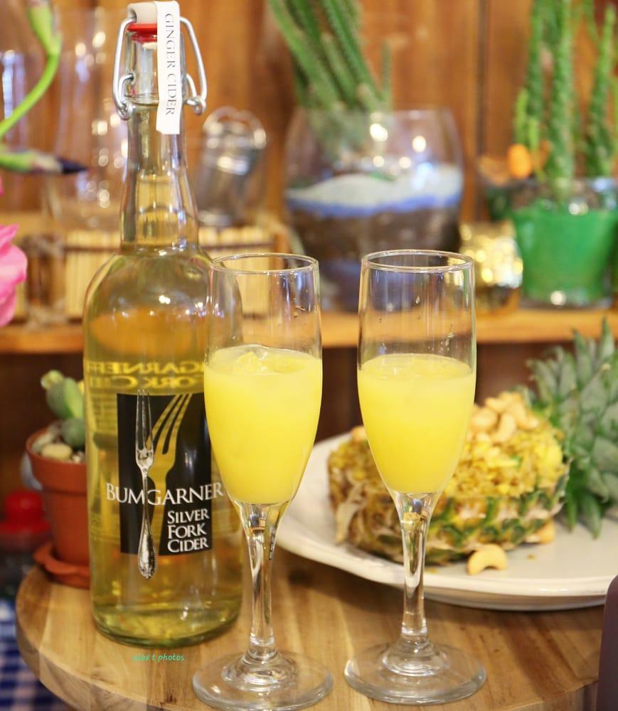Bumgarner Wine Tasting Room: 3550 Carson Rd, Camino, CA