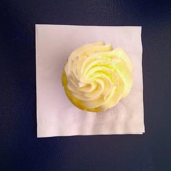 Pinkabella Cupcakes Bakeries Redmond Wa Yelp