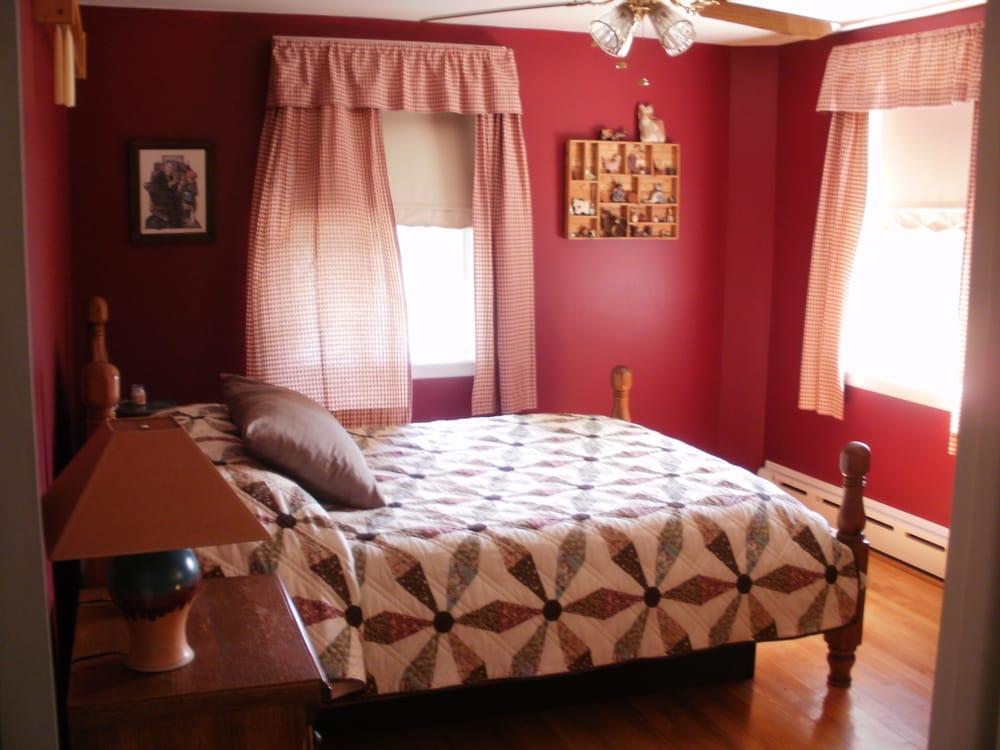 Old Wellsboro Inn: 100 W Ave, Wellsboro, PA