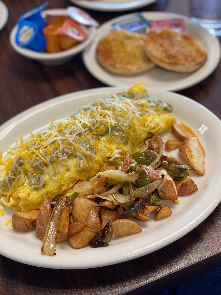M & J Family Restaurant: 820 N Alta Ave, Dinuba, CA