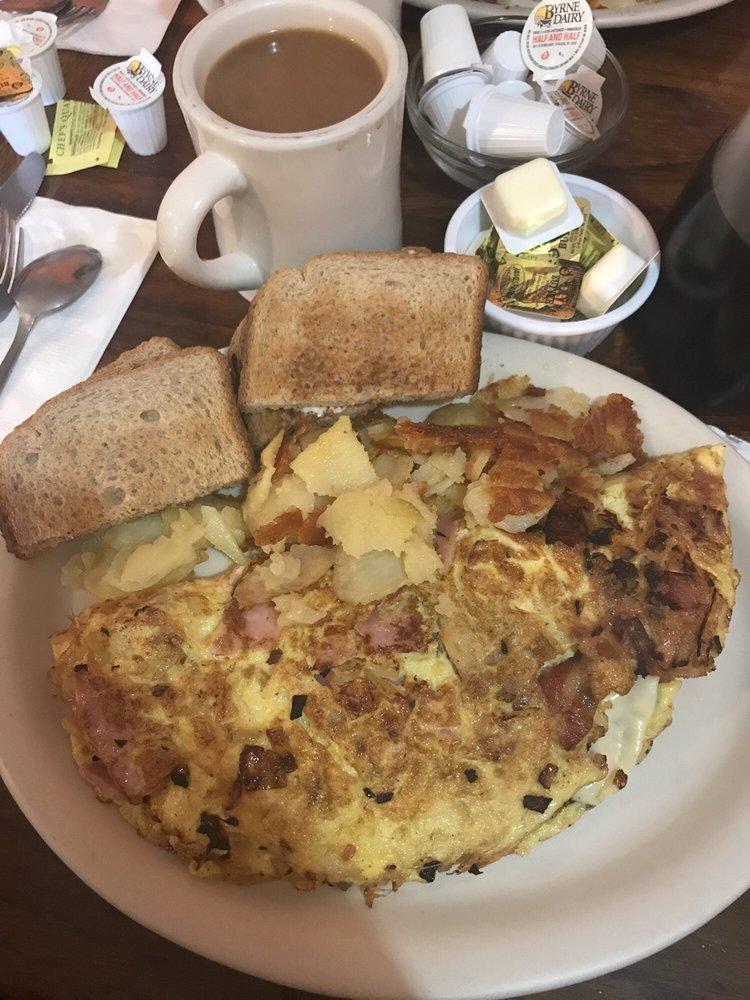 Five Stars Diner: 42 E Lincoln Ave, Hatfield, PA