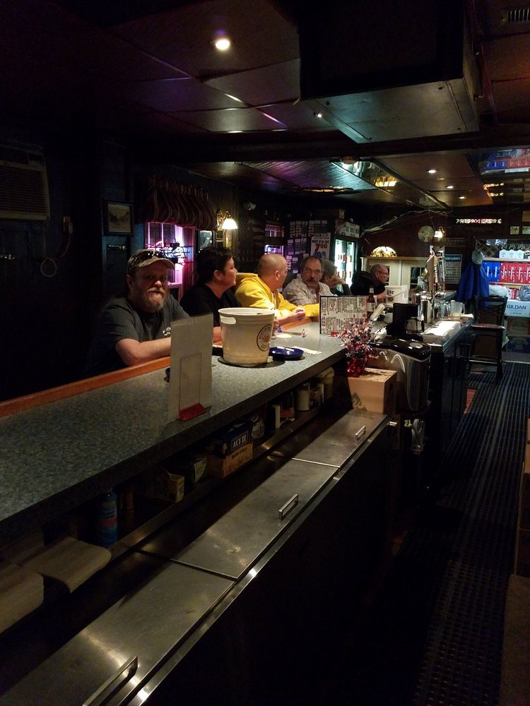 Frank & D's Pub: 2327 6th Ave, Altoona, PA