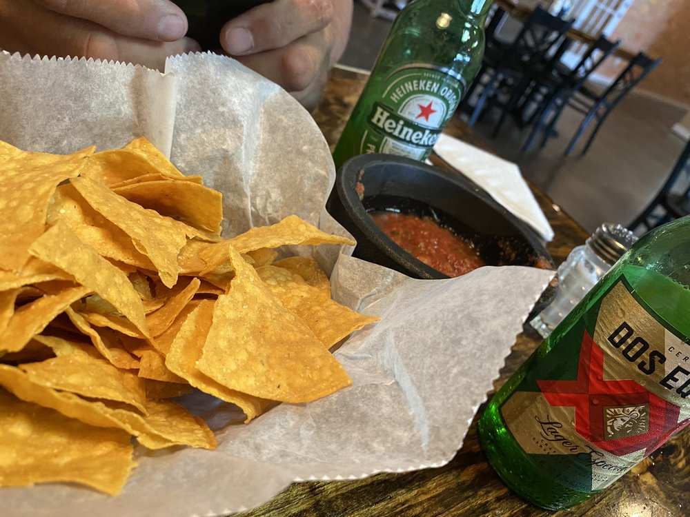 El Rey Mexican Grill & Bar: 2111 Douglas Ave, Brewton, AL