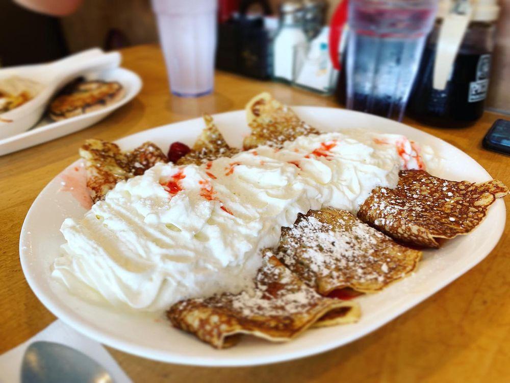 Pig 'N Pancake: 146 W Bond St, Astoria, OR