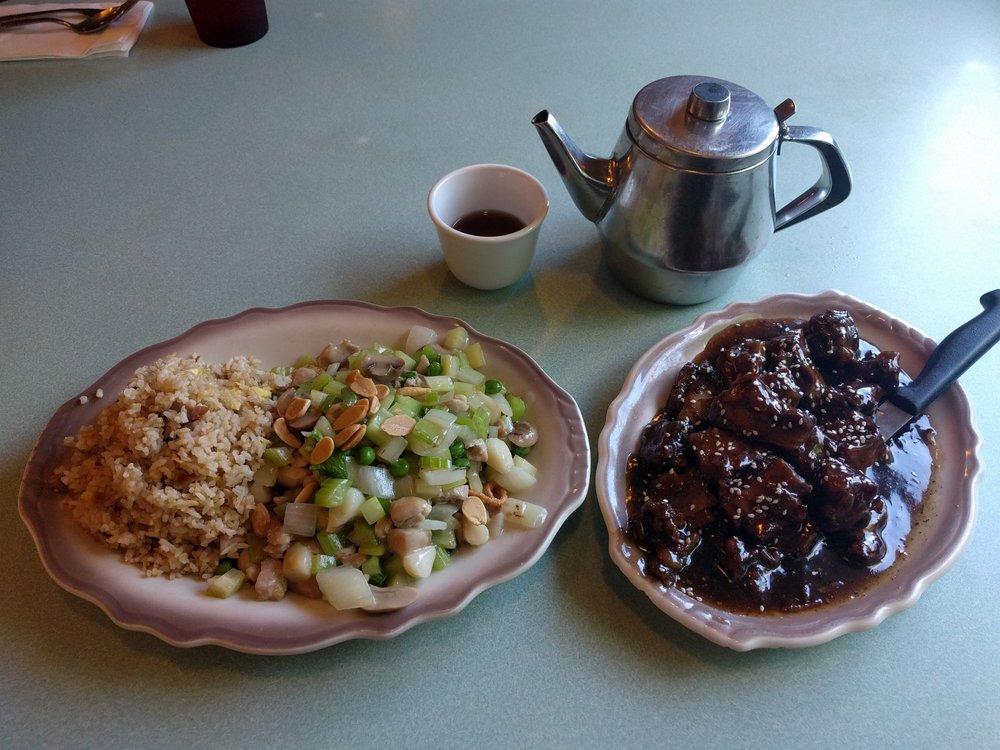 Ma's Restaurant: 2416 S Santiam Hwy, Lebanon, OR