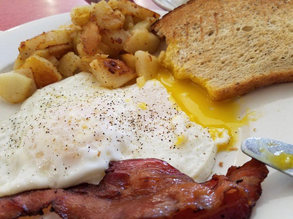 S & G Restaurant: 339 Potomac Ave, Quantico, VA