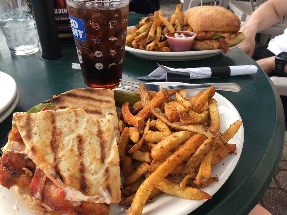 Fulgum's Restaurant & Bar: 2151 Albany Post Rd, Montrose, NY