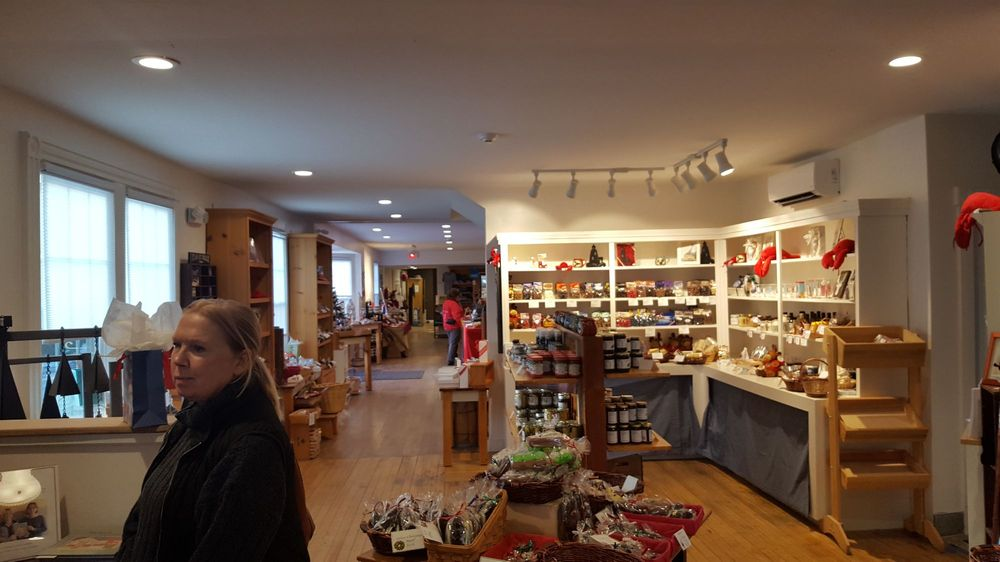 Wilbur's of Maine Chocolate Confections: 174 Lower Main St, Freeport, ME