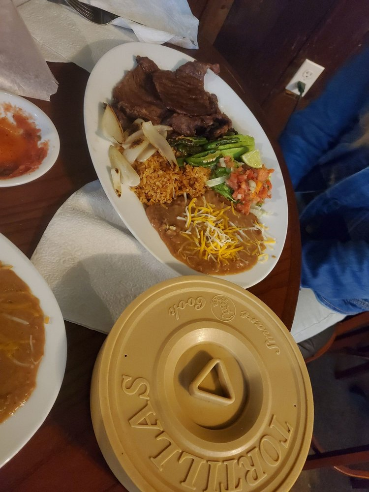 Ali's Mexican Restaurant: 711 NW 21st St, Fruitland, ID