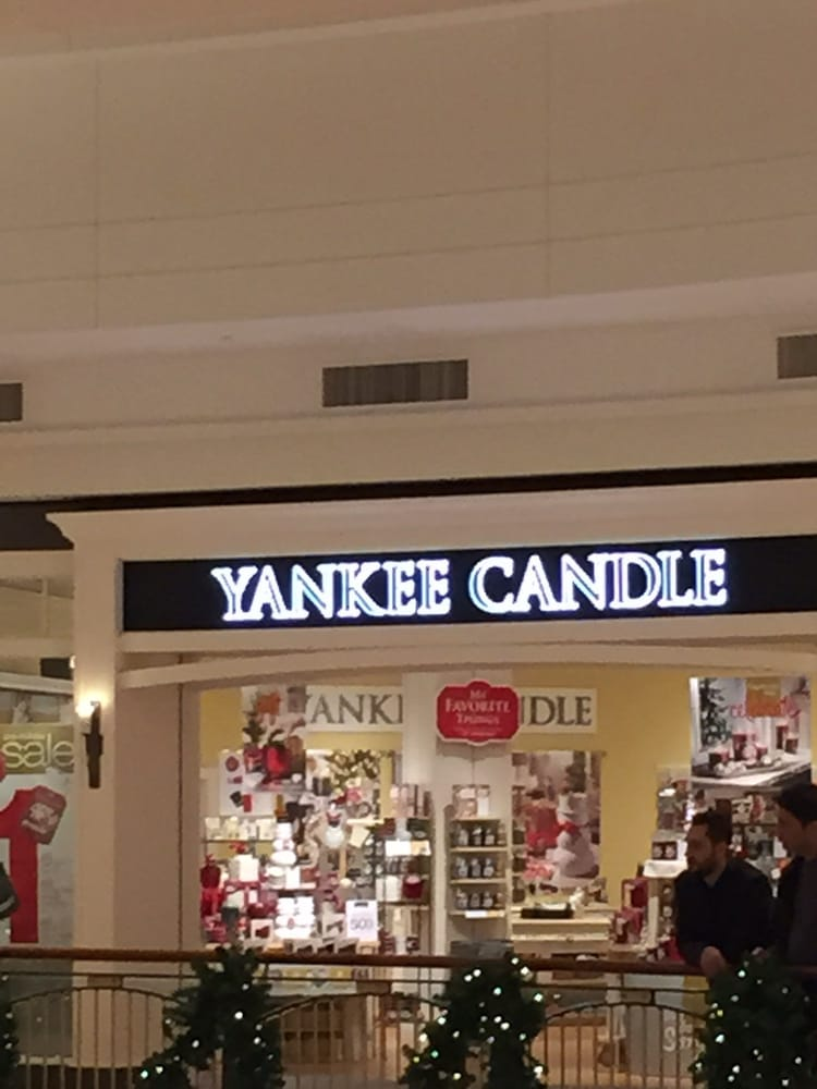 Yankee Candle Company: 21100 Dulles Town Cir, Sterling, VA