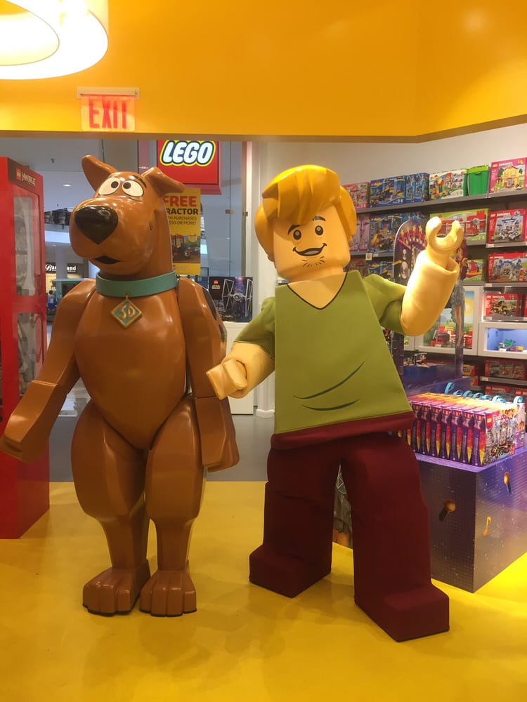 The Lego Store - Hobby Shops - 1 Garden State Plz Way, Paramus, NJ ...