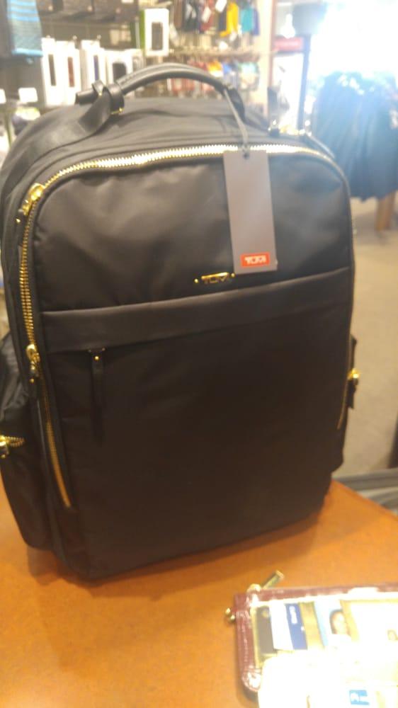 Edwards Everything Travel - Edwards Luggage: 3 Embarcadero Ctr, San Francisco, CA