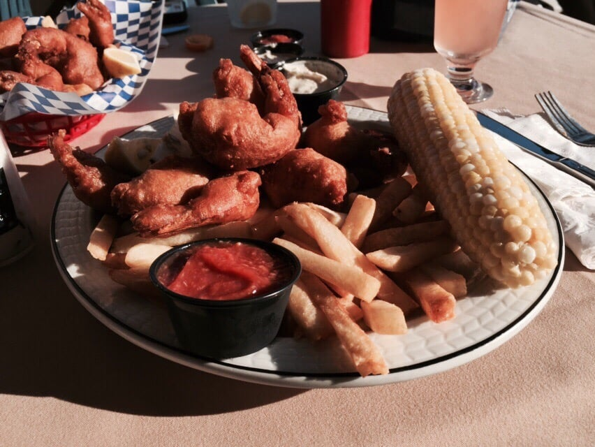 JT's On The Bay: 1 Curtis Rd, Blue Point, NY