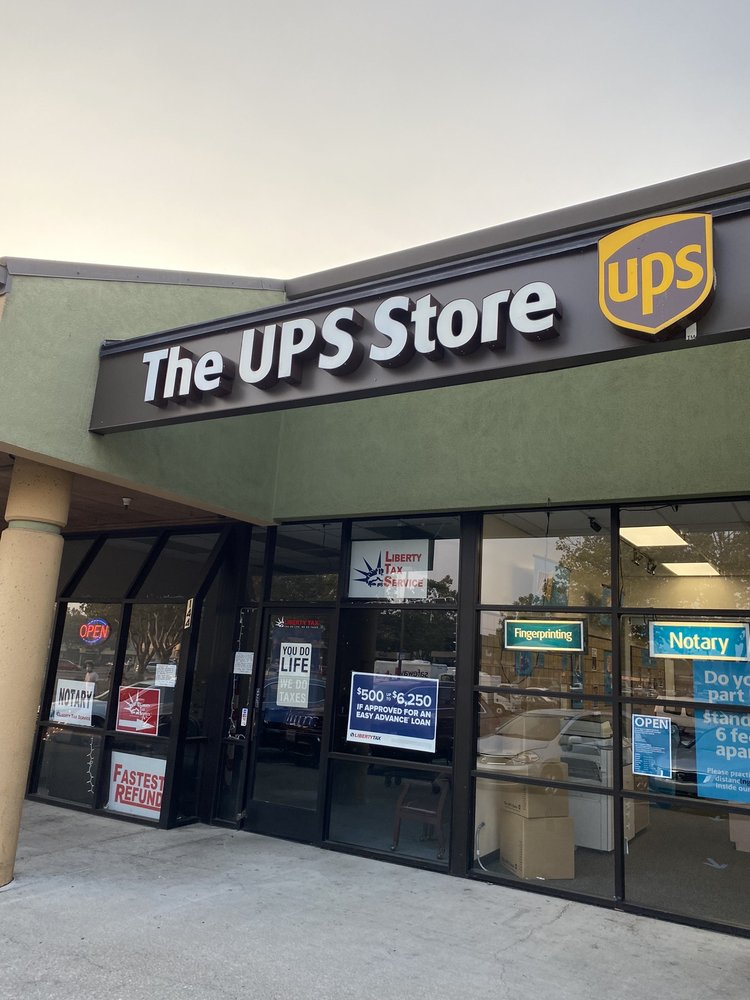 The UPS Store: 699 Lewelling Blvd, San Leandro, CA