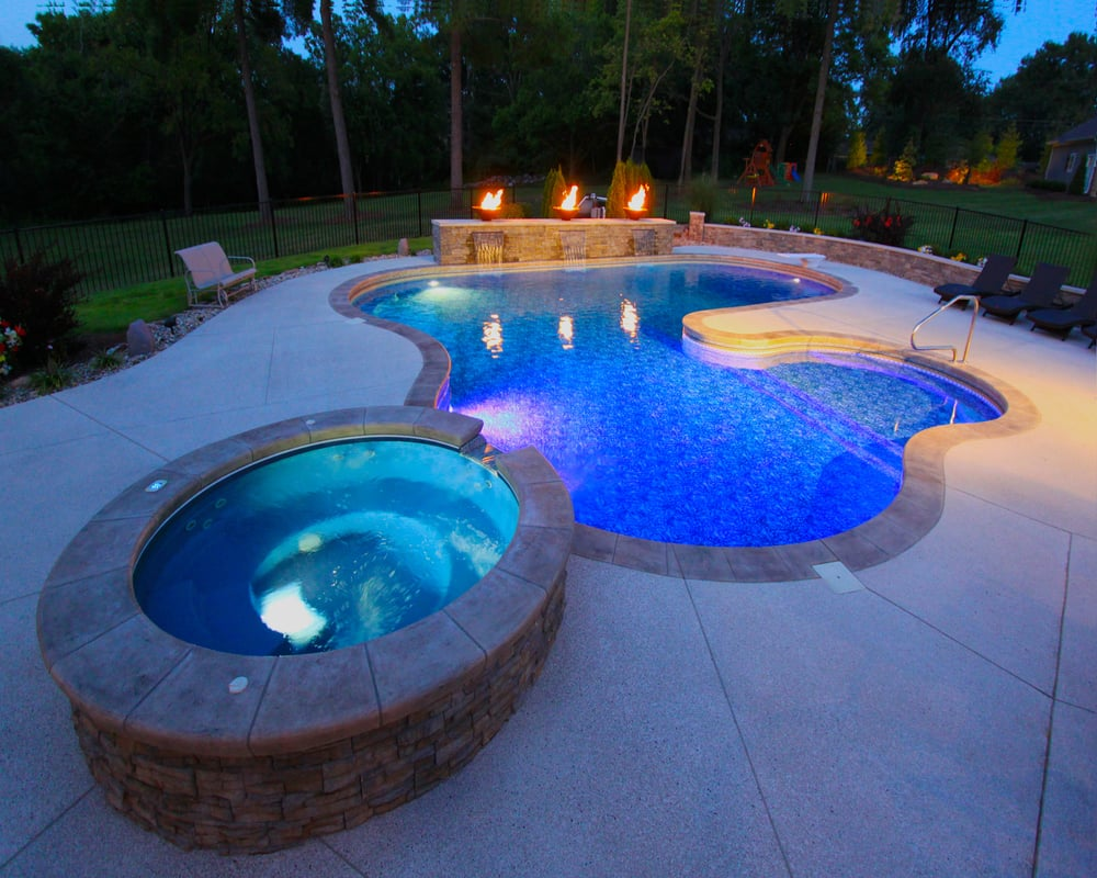 A Vinyl Liner In Ground Pool With Spill Over Custom Hot