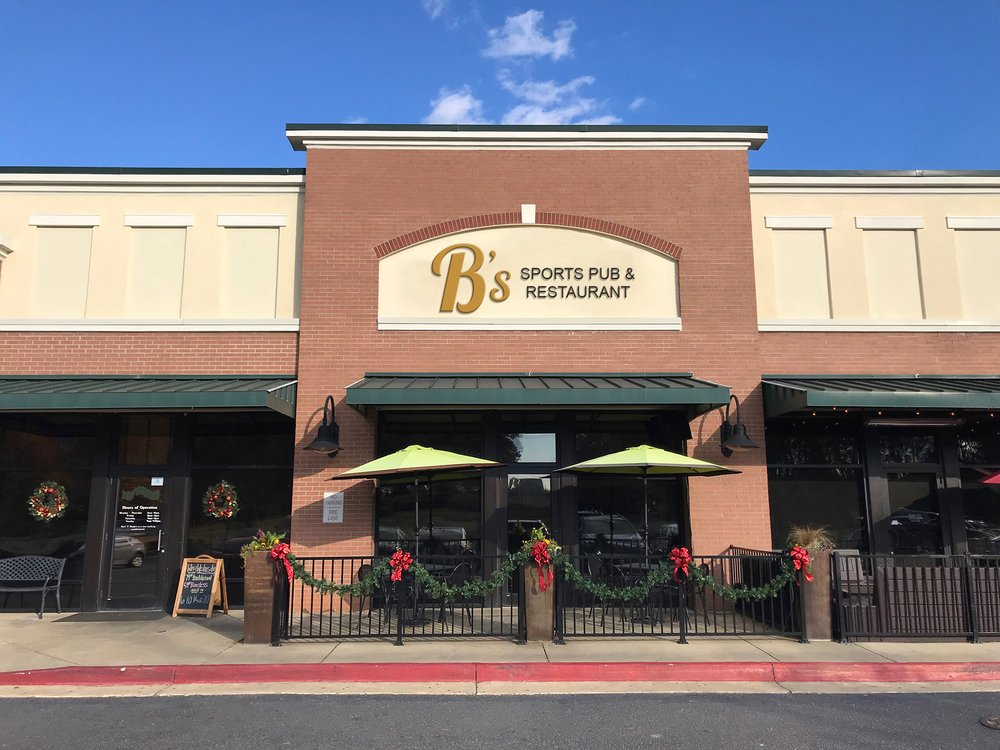 B's Restaurant and Sports Pub: 2742 N Lake Dr, Columbia, SC