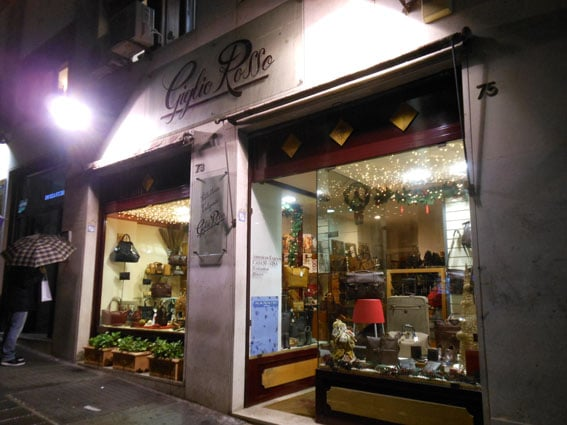 e4db093cea Giglio Rosso - Pelletterie - Via Bracco 73, Centro Storico, Napoli - Numero  di telefono - Yelp