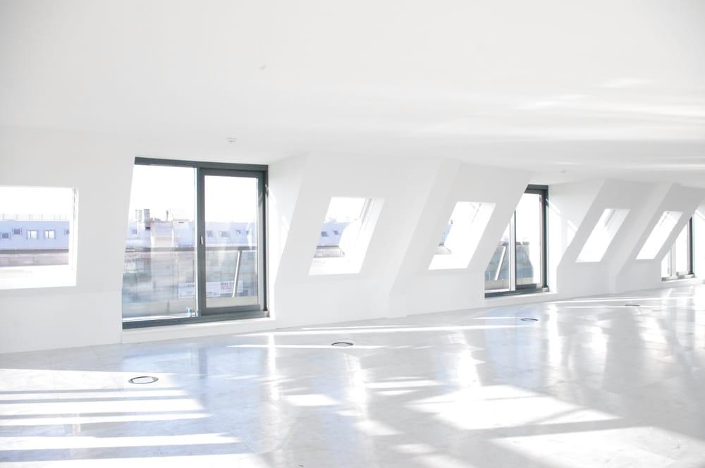 Heller Lichtdurchfluteter Raum Mit Rundumlaufender Dachterrasse Yelp