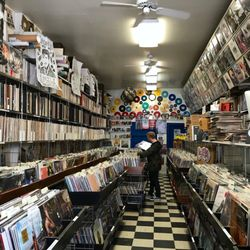 Dave S Records 24 Photos Amp 84 Reviews Vinyl Records