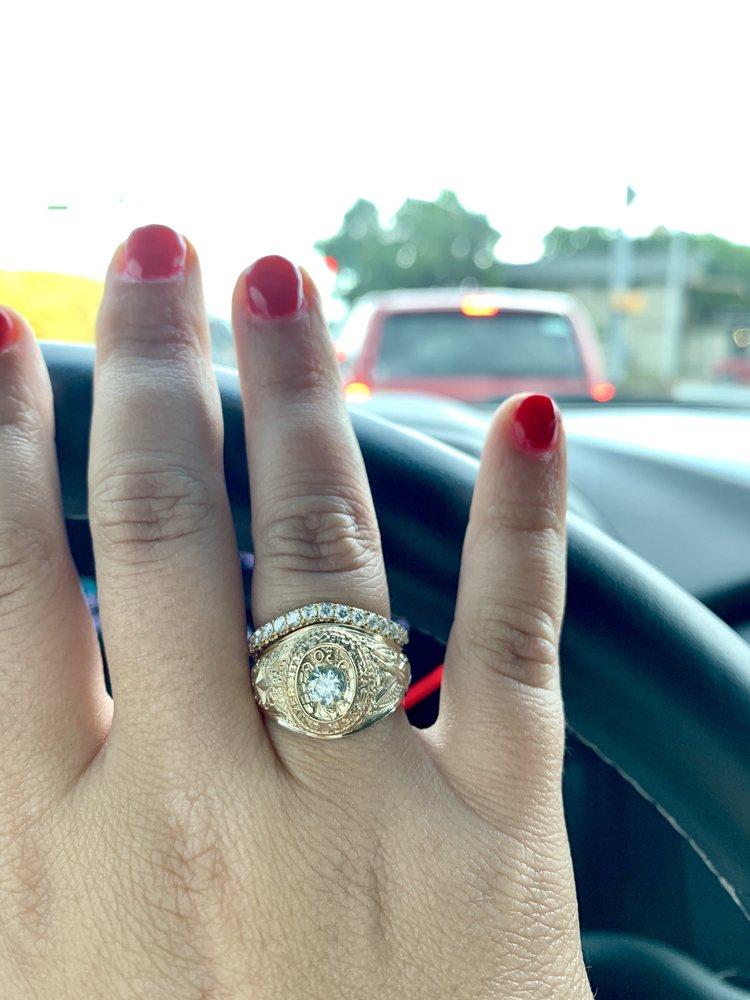 Salem's Jewelry: 518 US Hwy 281, Marble Falls, TX