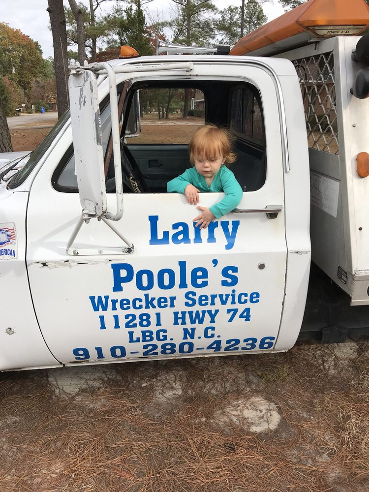 Larry Poole's Wrecker Service: 11281 Andrew Jackson Hwy, Laurinburg, NC