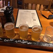 Hobbs Tavern & Brewing - 2415 White Mountain Hwy, West