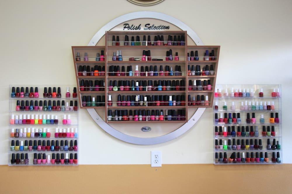 Famous Nails & Spa: 3090 Cochran St, Simi Valley, CA