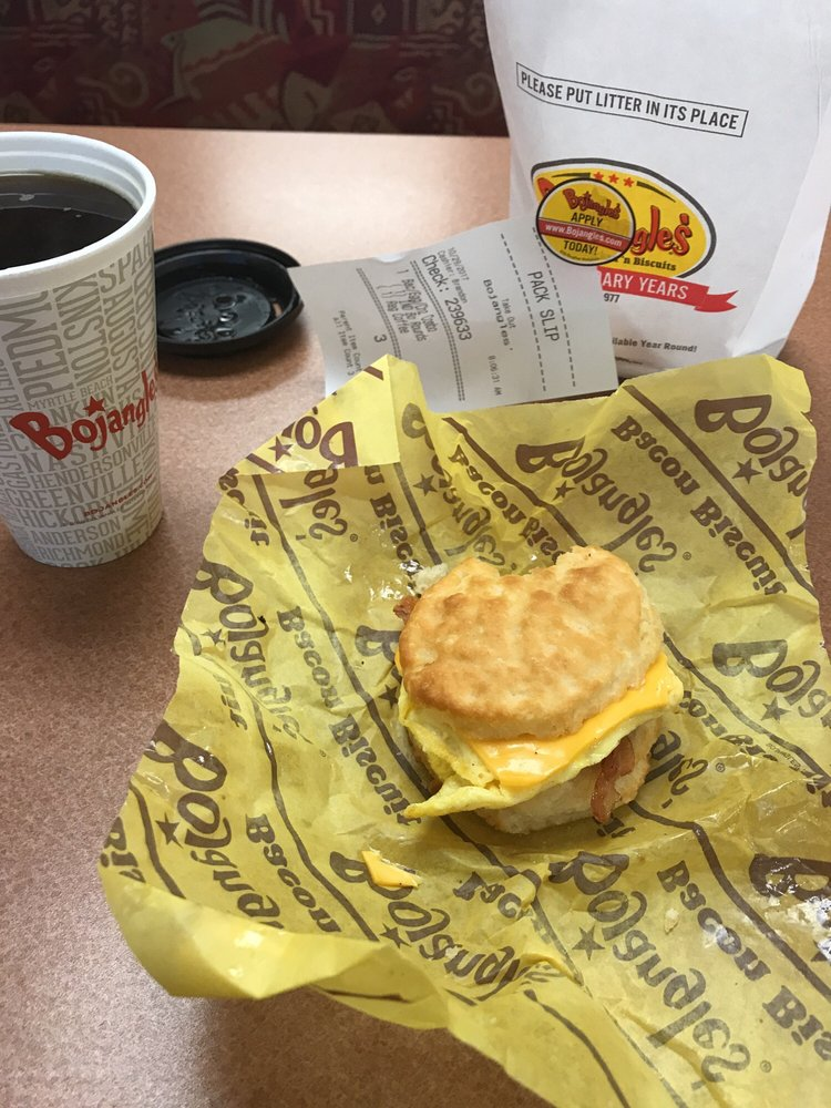 Bojangle's Famous Chicken'n Biscuit: 5296 US Hwy 158, Advance, NC