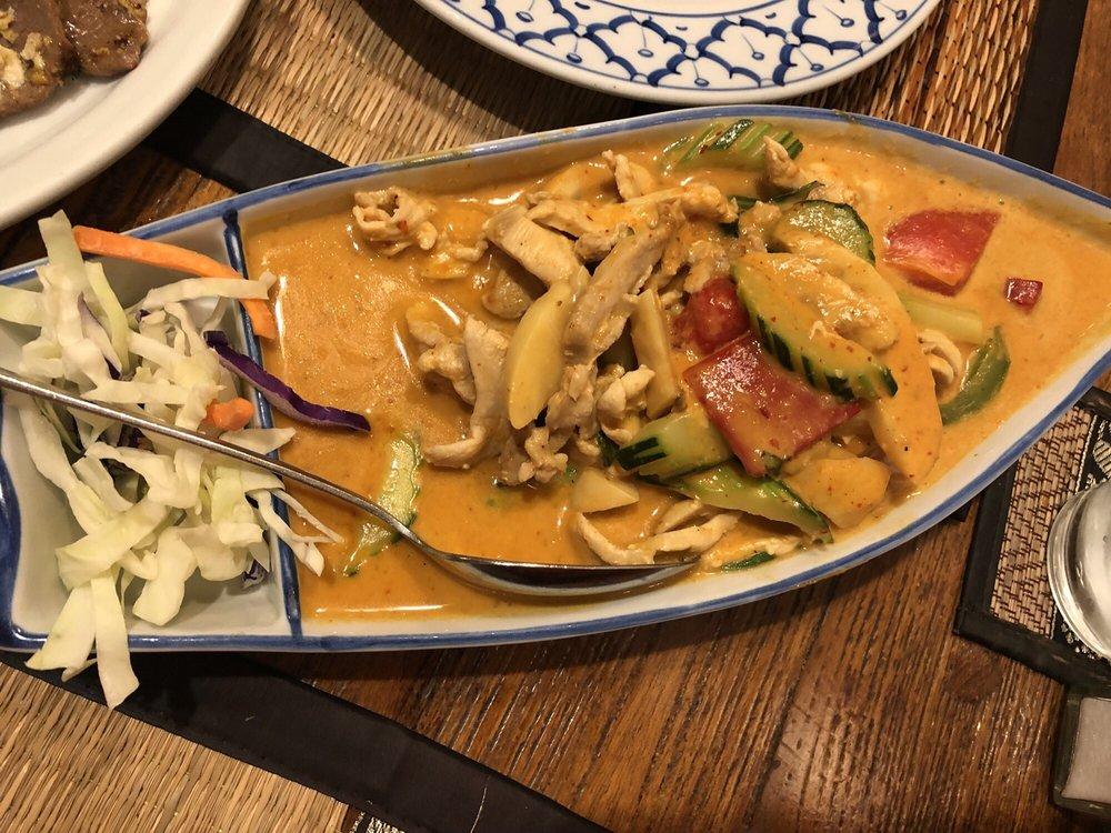 Tee Nee Thai Cuisine